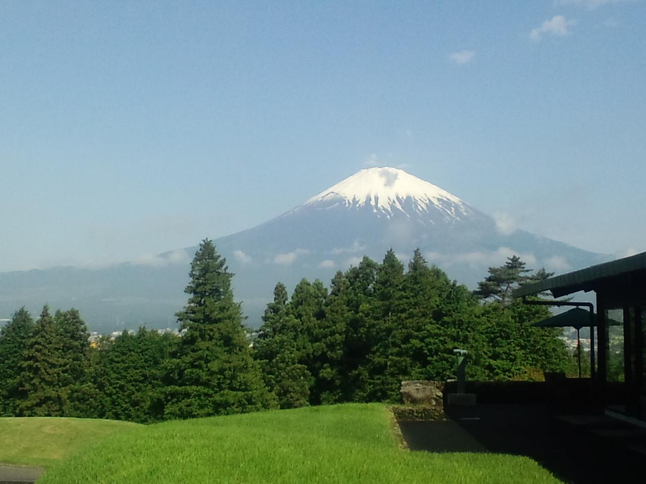 ゴルフ場からの富士山