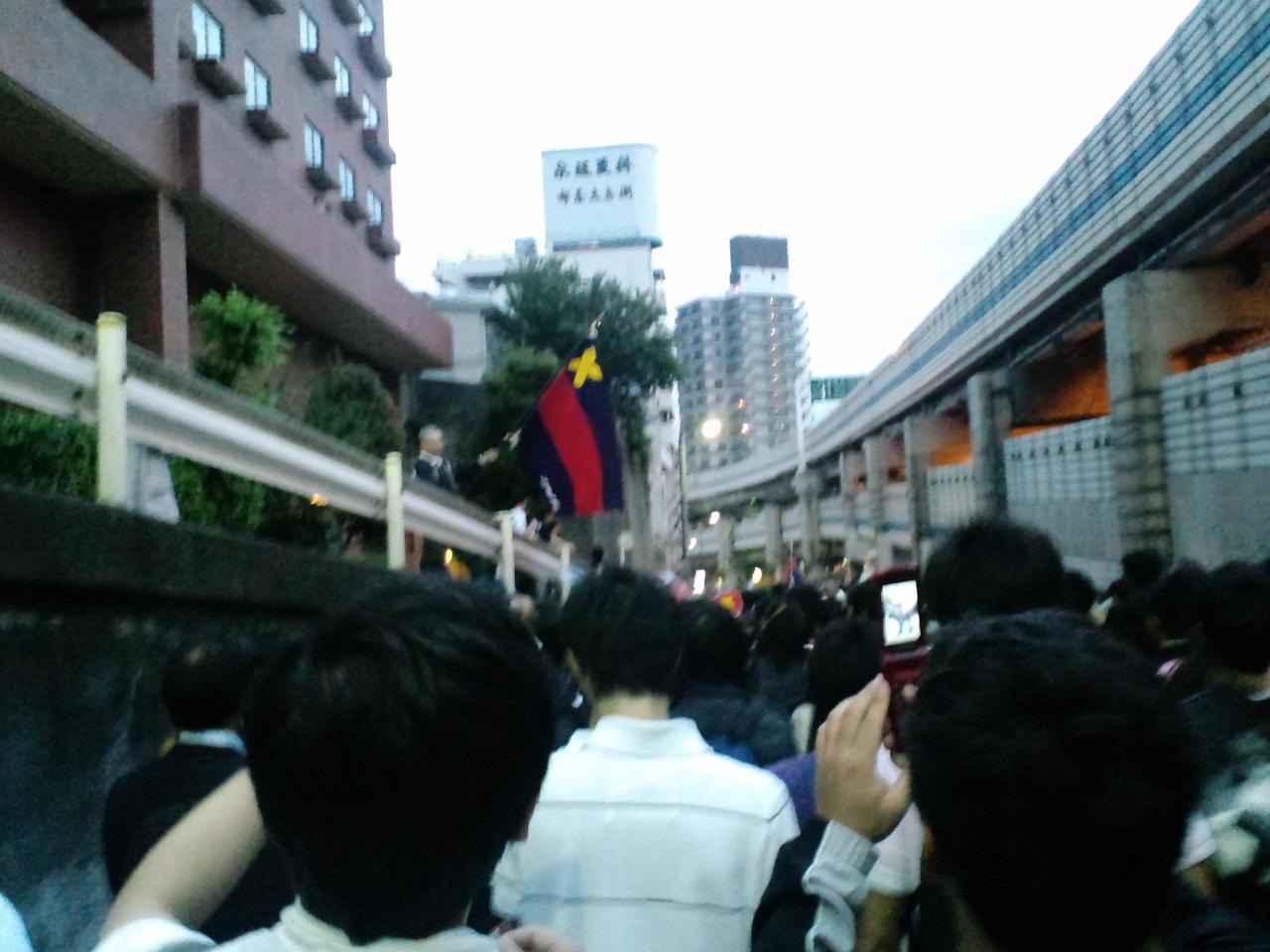 パレード〜三田会のお出迎え
